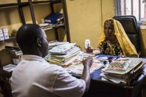 Guinée : comprendre la relation entre les soignants et les patients