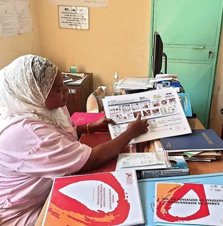 Mali and Senegal: First distribution of HIV self-test kits